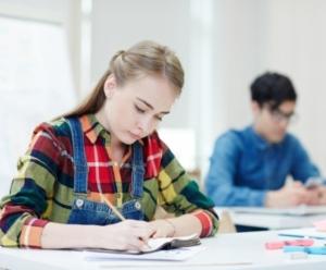 美国高中紧急转学